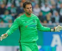 Begovic urges Chelsea fans for patience despit... Chelsea's Asmir Begovic (Reuters / Heinz-Peter Bader)   G...