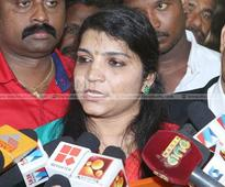 Chennithala demanded evidence against Oommen Chandy, says Saritha