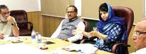 Mehbooba reviews summer preparedness for Jammu