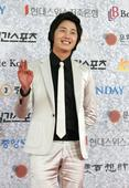 South Korean actor Jung Il-Woo arrives for the 43rd annual 'Paek Sang Art Awards' on April 25, 2007 in Seoul, South Korea.