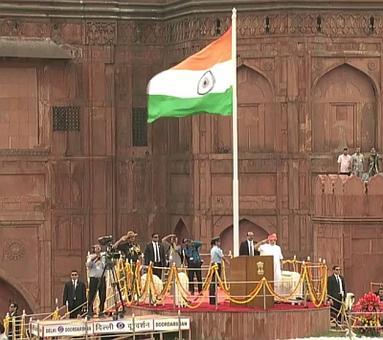 Mere pyaare deshwaasion... PM Modi begins his I-Day speech