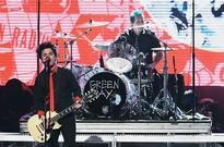 Green Day Dishes Out Anti-Trump Lyrics At American Music Awards 2016