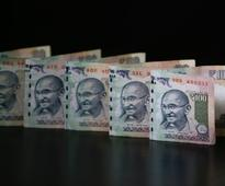 Rupee falls 7 paise against dollar in early trade