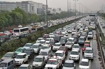 Massive traffic jams in Delhi due to JNU students' protest, Dhanteras shoppers