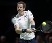 Andy Murray overcomes wobble against Martin Klizan in Vienna