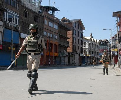 Youth killed in fresh Kashmir clashes, toll rises to 71