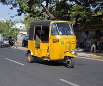 RS 70 LAKH RECOVERED - Dollar-snatching: Auto driver caught