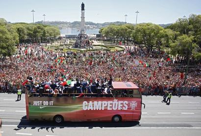 Euro 2016: Champions Portugal fly home to hero's welcome, presidential honour