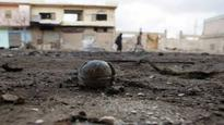 Syrian army edges toward Islamic State bastion, jets hit rebel towns
