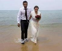 Couple get married under the sea in Kerala