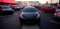 Tesla seeks to raise $1.5 bln to fund Model 3 production
