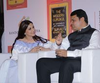 Sonali Bendre, Shilpa Shetty Celebrate Success of Their Books