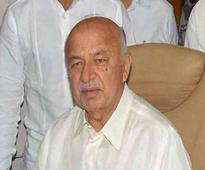 Centre will not intervene in Delhi politics: Shinde