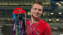 England's Buttler stays at Lancashire