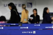 United to write off $264 million as Newark landing slots lose value