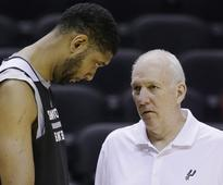 He couldn't stay away: Tim Duncan shows up to Spurs practice