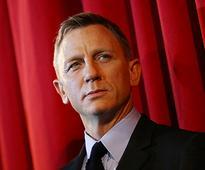 Daniel Craig hates playing James Bond, just like Sean ...