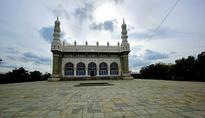 Restoration of Hayat Baqshi Begum Masjid, a work half-done