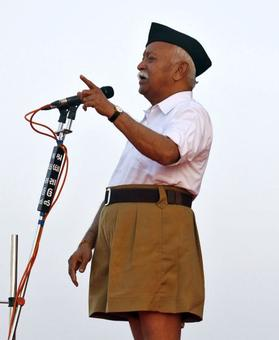 RSS chief defies order, unfurls tricolour at Kerala school