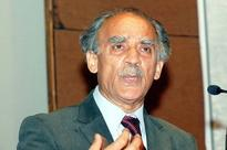 Arun Shourie attacks PM Modi's demonetisation move, says it is not a strike on black money