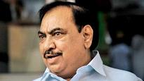 Eknath Khadse vacates his official residence at Malabar Hill before the deadline