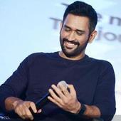 Tendulkar, Gavaskar lead world cricket ... Tendulkar, Gavaskar lead world cricket tributes to Dhoni