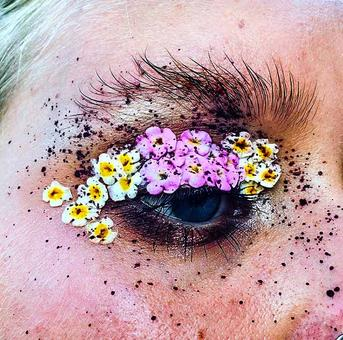 Floral eyeliners are trending! Would you wear it?