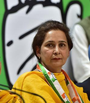 Navjot joins Congress, Sidhu may follow soon