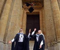 Amid Brexit worry, Oxford bond success shows UK universities another course