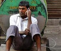 Mobile payments gain traction among India's poor