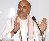 RSS, BJP back Praveen Togadia; claim he didn't make anti-Muslim remark