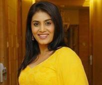 Sonali Kulkarni goes with the flow when choosing a project