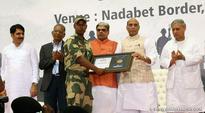 Rajnath Singh visits Border Areas in Gujarat