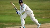 Ten Doeschate lifts Essex at run-strewn Guildford