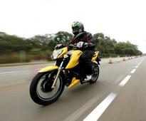 TVS Apache RTR 200 4V vs KTM 200 Duke vs Bajaj Pulsar AS200: Spec Comparo