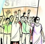 Left jobless by govt for 2 years, 60 who cleared MPSC on relay hunger strike