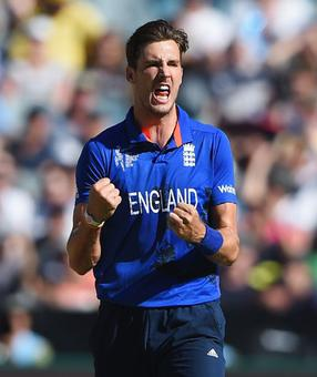 Finn replaces injured Woakes in England team