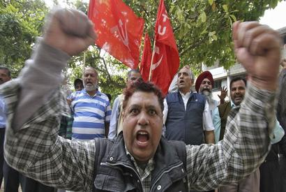 One-day strike: Economy loses a whopping Rs 25,000 crore