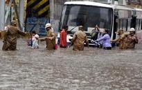 7 killed as heavy rains lash Hyderabad
