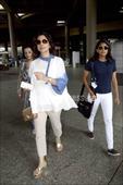Shah Rukh Khan, Juhi Chawla with their kids; see pics