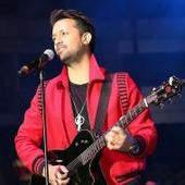 Watch: Atif Aslam rescues a girl from being harassed at a concert