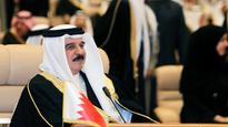 Bahrain jails 6 for dissing king on Twitter
