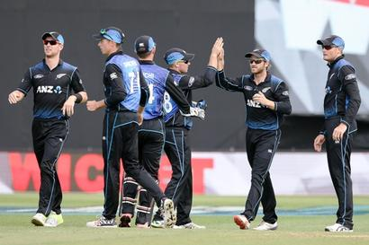 Wellington ODI: Nicholls, Boult help New Zealand thrash Pakistan
