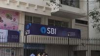 SBI to raise funds via FPO, QIPs;to appoint 6 merchant bankers
