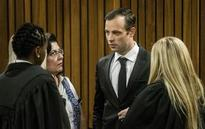 Pistorius family condemns claim he beat girlfriend with bat