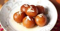 Instant bread-gulab jamun