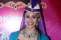 Kishwer Merchantt is back as a beautiful dancer on Har Mushkil Ka Hal Akbar Birbal