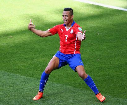 Football Briefs: Sanchez in Chile squad for World Cup qualifiers