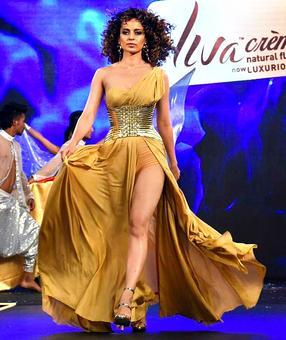 Smashing hot! Kangana Ranaut in gold