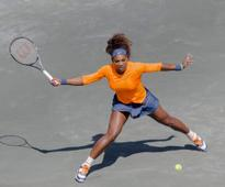 Serena advances in Charleston